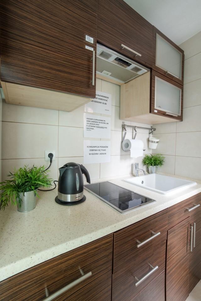 W pełni wyposażona kuchnia  Green Hostel Toruń -> Kuchnia Weglowa Ela